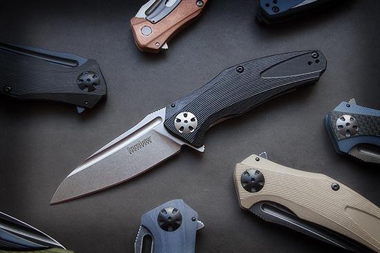 Kershaw Natrix 7007, строгий классический вид: черная рукоять, светлый клинок